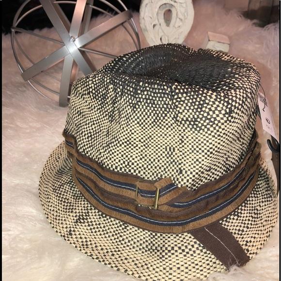 526f1d1227f3d Zara man hat. M 5b68d1f0283095ece8bd2ef0